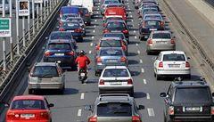 Co zadrží auta před Prahou? Velká parkoviště přibudou v Benešově či Kladně